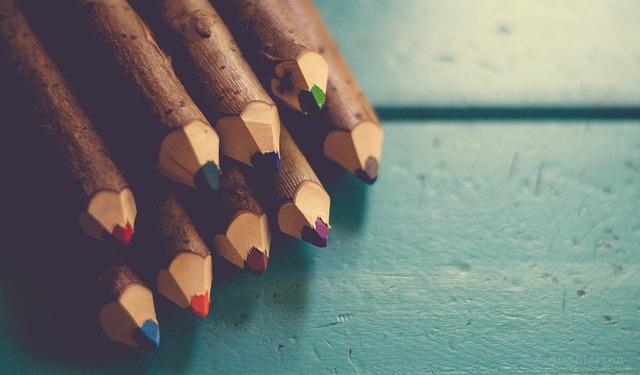 Aidot käsintehdyt värityskynät